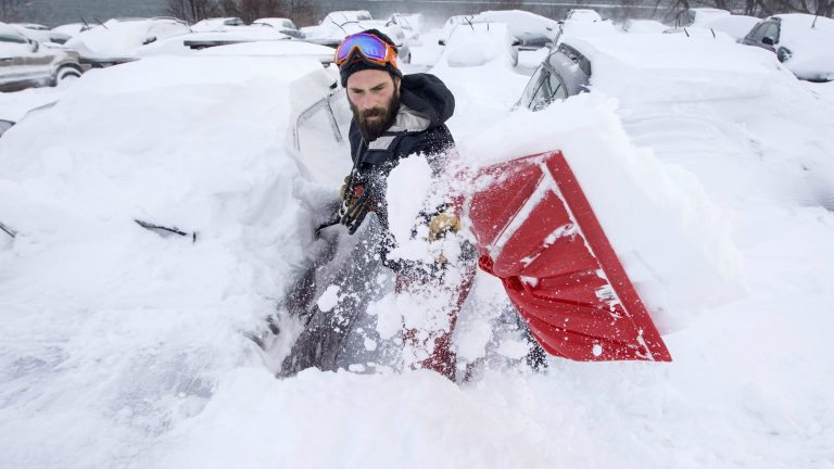 The Best Snow Shovels to Handle All Kinds of Winter Weather