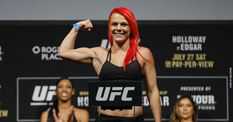 Gillian Robertson vs. Miranda Maverick rebooked for UFC 260