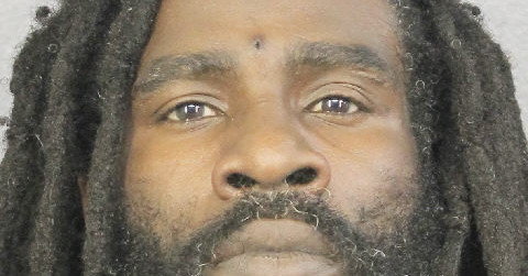 Daniel Straus charged with aggravated battery, allegedly beat and stabbed partner