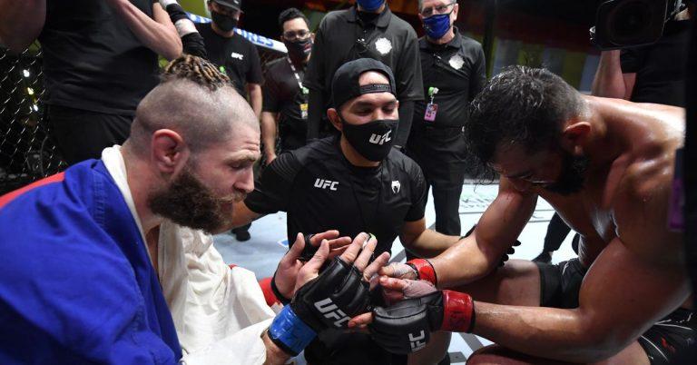 UFC Vegas 25 bonuses: Jiri Prochazka double-bonus winner for knockout of Dominick Reyes